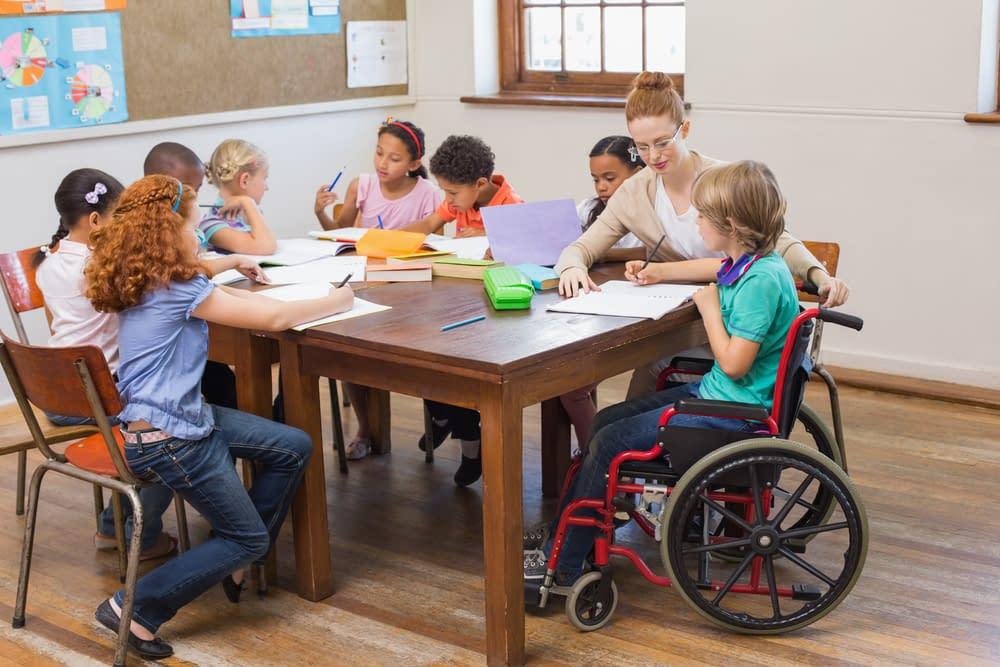 Inclusão de Deficientes em Escolas Regulares: Quais os desafios, os direitos, as leis, as mudanças 1